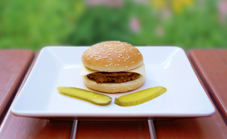 Aprilskämt: McEnnedy American Way Cheeseburger